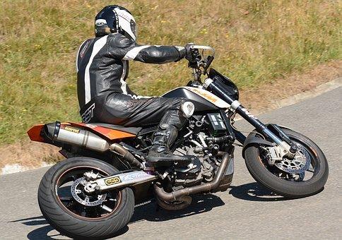 motorbike-3502082__340